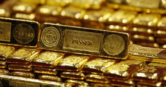 Nhà đầu tư nhận định giá vàng tuần tới tăng, giới phân tích bất đồng