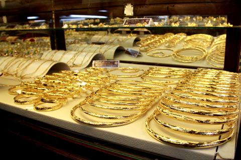 Vàng được mua vào trong phiên Á, test đường 50- DMA