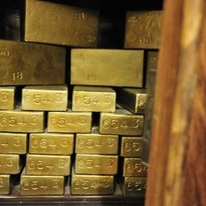 Số liệu chốt phiên Mỹ 26/9 đêm qua: USD giảm đẩy vàng và dầu tăng giá