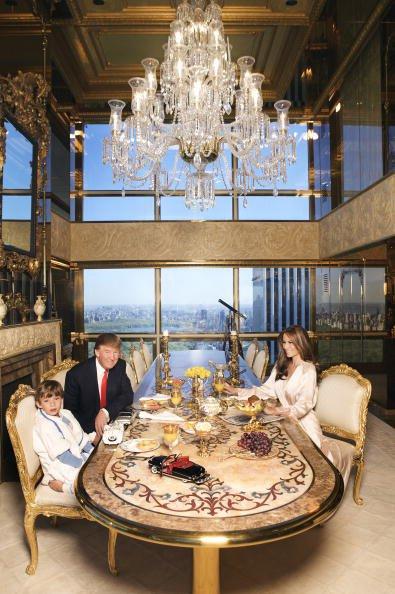 Vàng tăng lên 38 triệu: Nỗi ám ảnh Donald Trump?