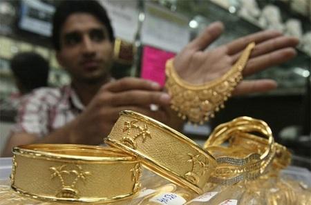 USD suy yếu, vàng tận dụng cơ hội đi lên