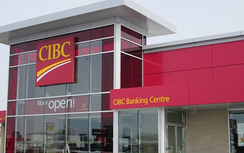 """Thị trường vàng hỗn loạn, CIBC bị """"thổi bay"""" 64 triệu USD trong 1 ngày!"""