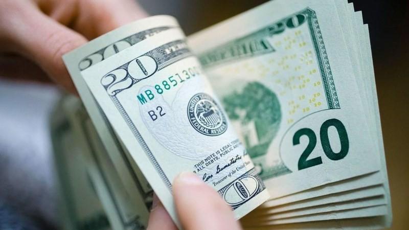 Tỷ giá trung tâm giảm 5 đồng, giá USD tại các ngân hàng thương mại giảm mạnh