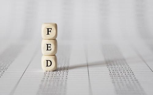 Standard Chartered: Vàng sẽ phá kỉ lục $1920 nếu Fed áp dụng lãi suất âm
