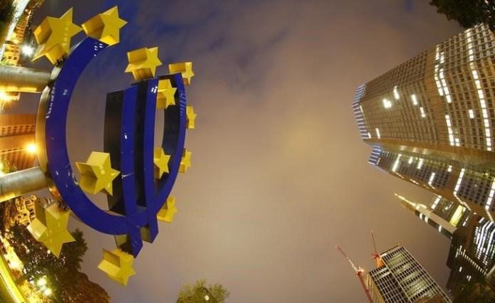 ECB bơm thêm 600 tỷ EUR ra nền kinh tế, cá mập SPDR gom mua khiến giá vàng tăng vọt