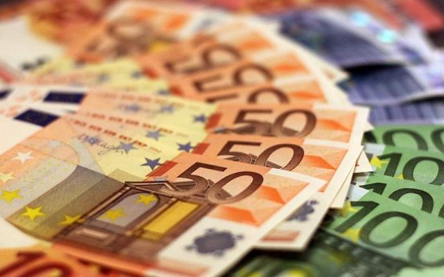TT ngoại hối 29/6: USD giảm; EUR tăng trước thềm cuộc họp giữa Merkel và Macron