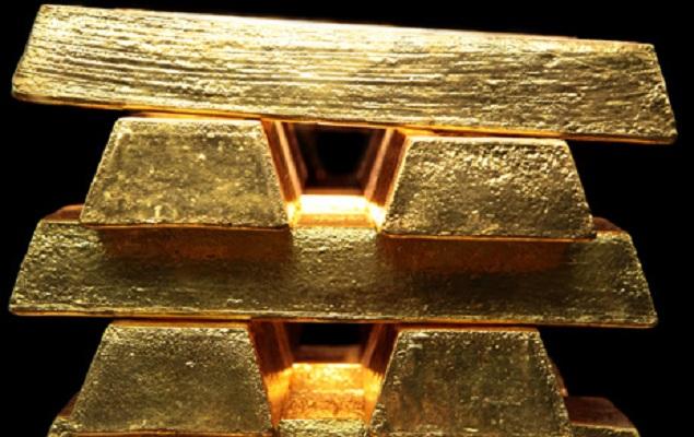 Vàng: Kiên định mức đỉnh 8 năm dù có nhiều yếu tố cản trở