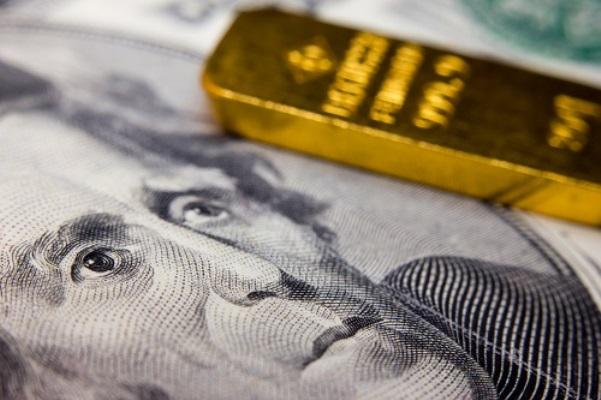 USD mạnh lên khiến vàng không giữ được mức cao trên $2000/oz