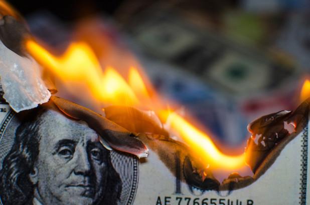 TT ngoại hối 4/8: Đà giảm đeo bám USD, EUR, JPY là đồng tiền được săn đón