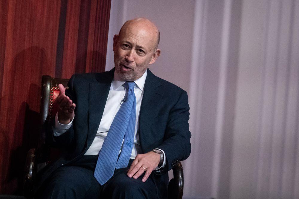 Cựu CEO Goldman Sachs: Bây giờ là lúc để vàng, bạc tỏa sáng