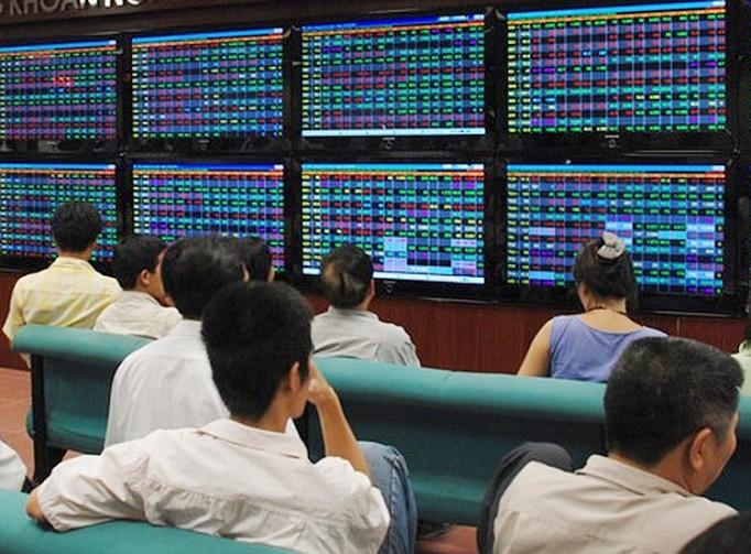 TTCK phiên sáng 17/09: Nhóm ngân hàng dẫn dắt, VN-Index sát mốc 900 điểm