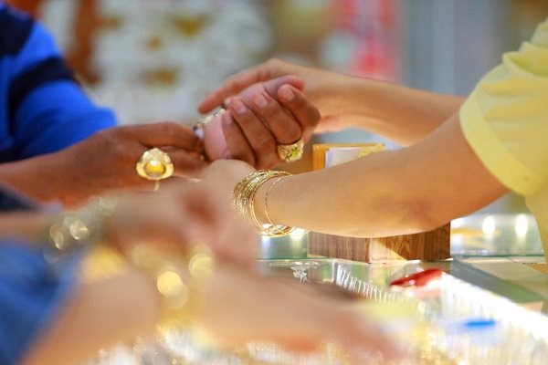 """Giá vàng tuần tới 28/9- 2/10: Tiền mặt """"lên ngôi"""", giá vàng sẽ ra sao?"""