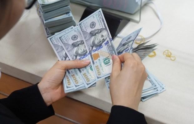 TT ngoại hối 20/10: USD chưa ngừng giảm vì lo ngại về gói kích thích
