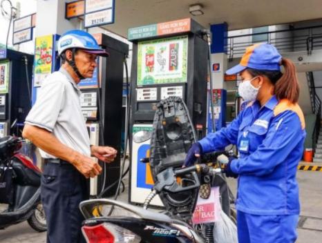Giá xăng giảm, dầu tăng kể từ 15h ngày 27/10