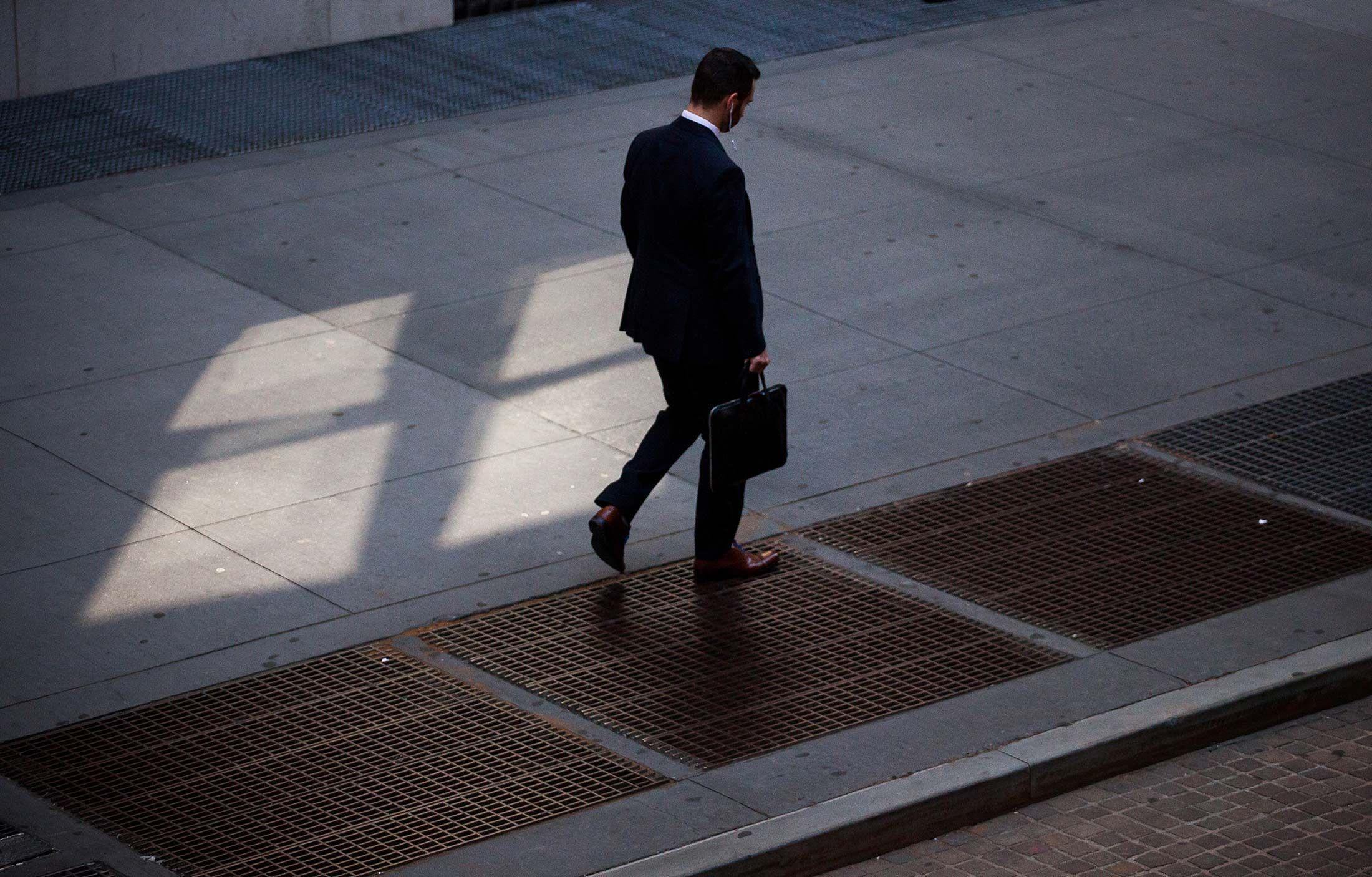 Bán vàng là 'sai lầm': Bây giờ là lúc cần quan tâm tới biên bản của Fed và cuộc họp tháng 12