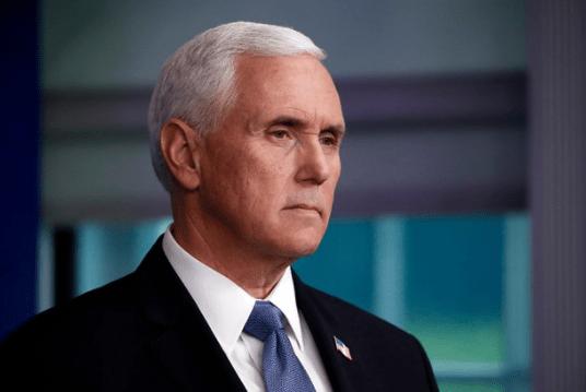 Phó TT Mỹ Mike Pence phản đối phế truất quyền lực của TT Trump.
