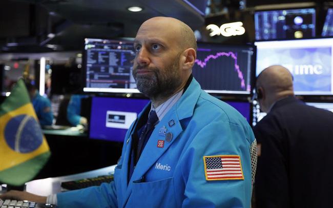 Phiên 26/1: Phố Wall và dầu thô giảm chờ thông tin mới từ Fed, Covid-19