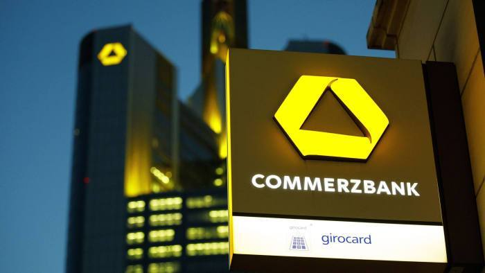 Dù hạ dự báo giá, Ngân hàng Commezbank vẫn tin vàng có thể chạm ngưỡng 2000$