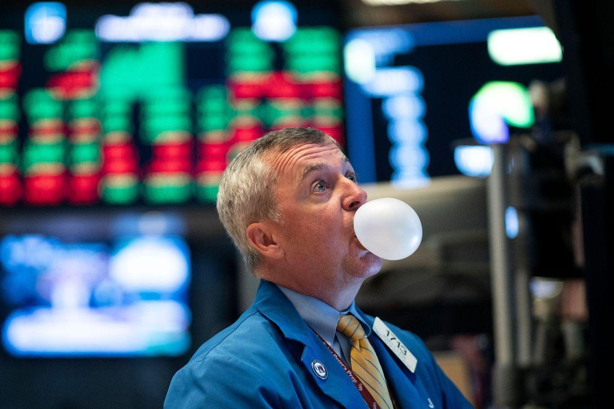 Có phải Phố Wall đang báo hiệu một bong bóng khi giá vàng không để thủng 1700$?