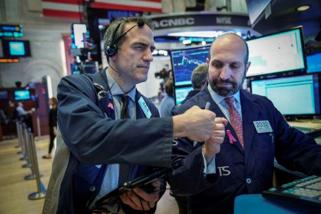 Phiên 7/4: S&P lên đỉnh kỉ lục sau biên bản cuộc họp tháng 3, Dầu thô nhích nhẹ