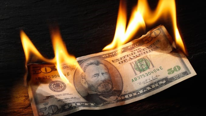 TT ngoại hối 8/4: Cam kết hỗ trợ của Fed khiến USD lao dốc, lợi suất Trái phiếu giảm theo
