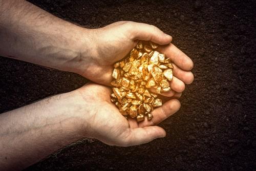 PTKT vàng 9/4: Đà tăng của (XAU/USD) bị cản tại 50-DMA, phe bán hướng giá về 1730$