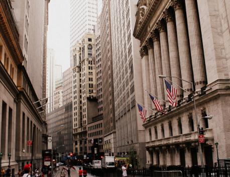 Fed cảnh báo những nguy cơ tiềm tàng trên thị trường tài chính, chứng khoán