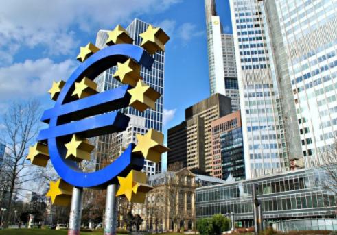 ECB tiếp tục mua mạnh trái phiếu và duy trì lãi suất ở mức thấp kỷ lục