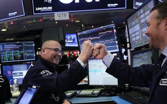 Phiên 10/6: CPI đạt 5%, S&P 500 chạm mốc kỉ lục mới, Dầu thô lên cao nhất 2 năm