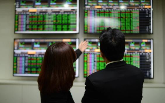 TTCK sáng 14/6: Duy trì trạng thái tích cực, VN-Index tiếp tục bứt phá