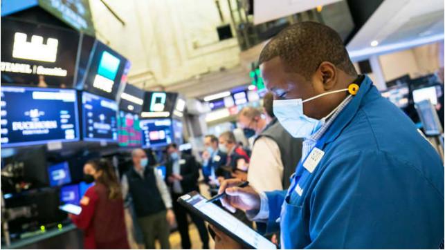Phiên 17/9: Lực bán đẩy thanh khoản tăng cao, phố Wall giảm 1%; Dầu thô sụt nhẹ