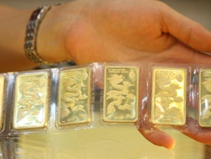 'Kịch bản' trái chiều lại tiếp diễn: Vàng nội tăng – vàng ngoại giảm, chênh lệch vượt mốc 9 triệu đồng/lượng